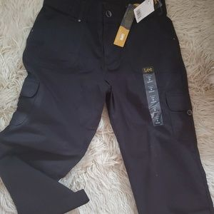 Lee relaxed capris